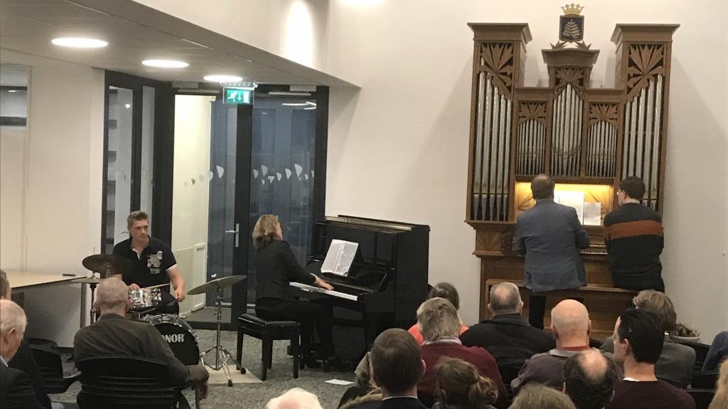 Piano gepresenteerd tijdens verrassingconcert
